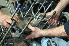 Packard Merlin - Ziehen der Kolben