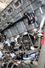 Packard Merlin - Aufsetzen der Zylinderbank