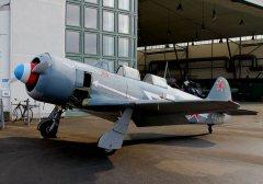 Yak-11_D-FJII__2011-02-252.jpg