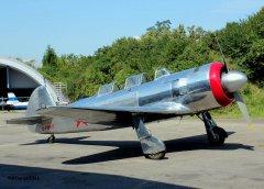 Yak-11_D-FMAX_2011-07-291.jpg