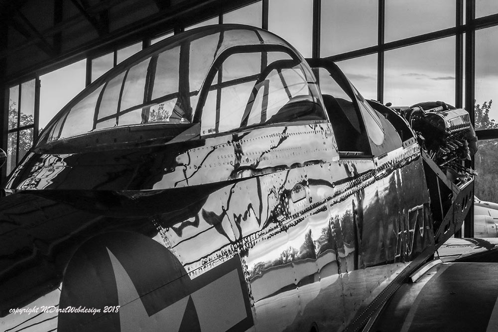 P-51_Queen_of_hearts_2018-09-217bw.jpg