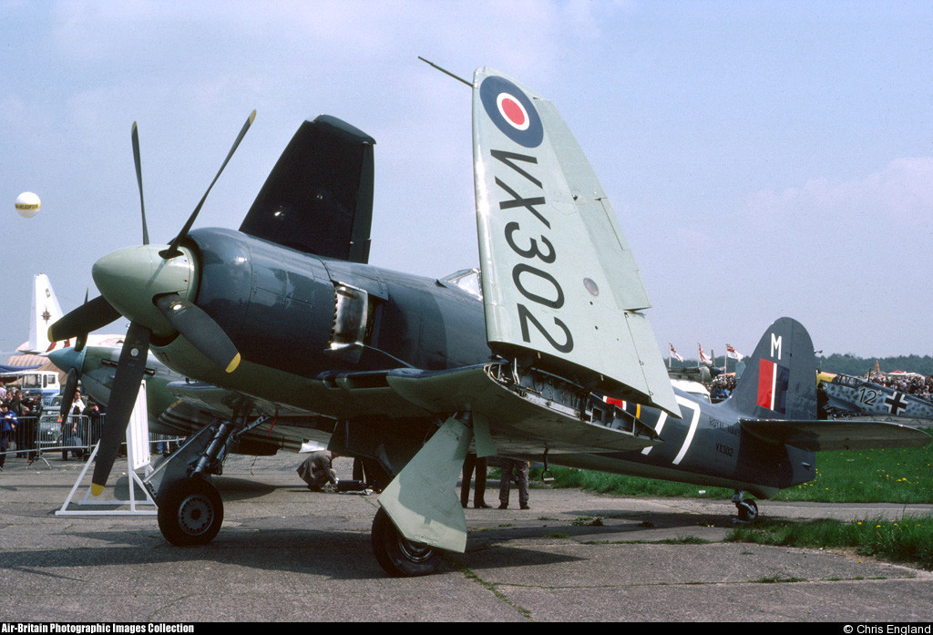 VX302 Chris England BigginHill 19782
