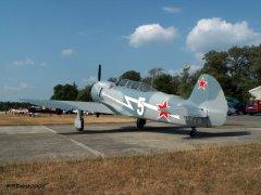 Yak-11_D-FJII__2007-09-26_16.jpg