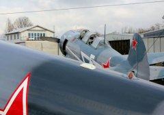 Yak-11_D-FJII__2011-02-255.jpg