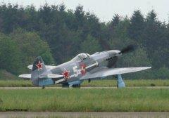 Yak-3_D-FYGJ_2010-04-30_6.jpg